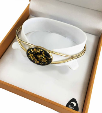 Gold Flake Oval Bangle